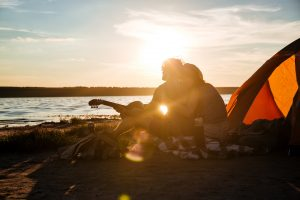 camping couple silhouette